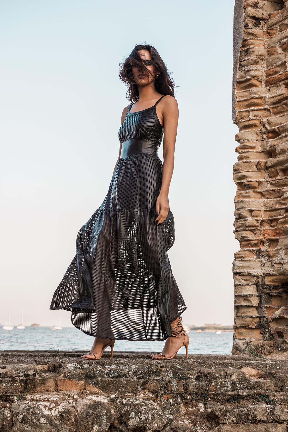 Vestido de couro preto